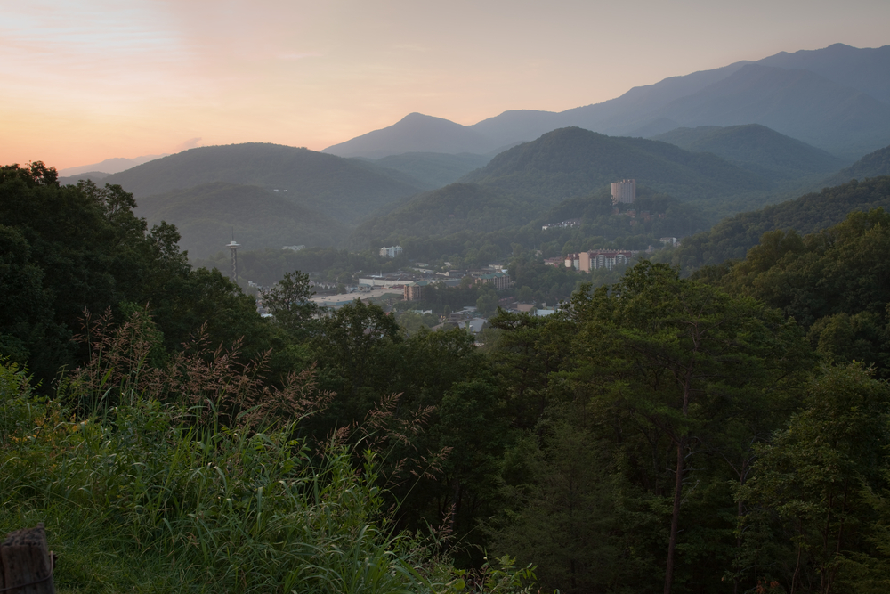 Top 4 Reasons Why Our 1 Bedroom Cabins in the Smoky Mountains are Perfect for a Romantic Getaway