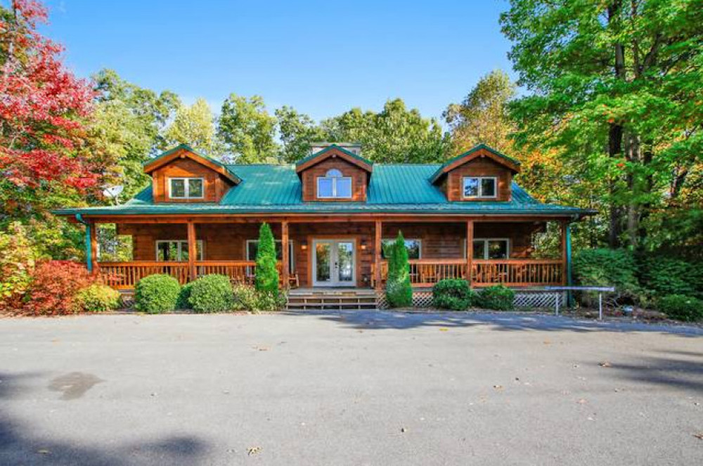 5 Reasons Groups Love Our Large Cabins in Gatlinburg
