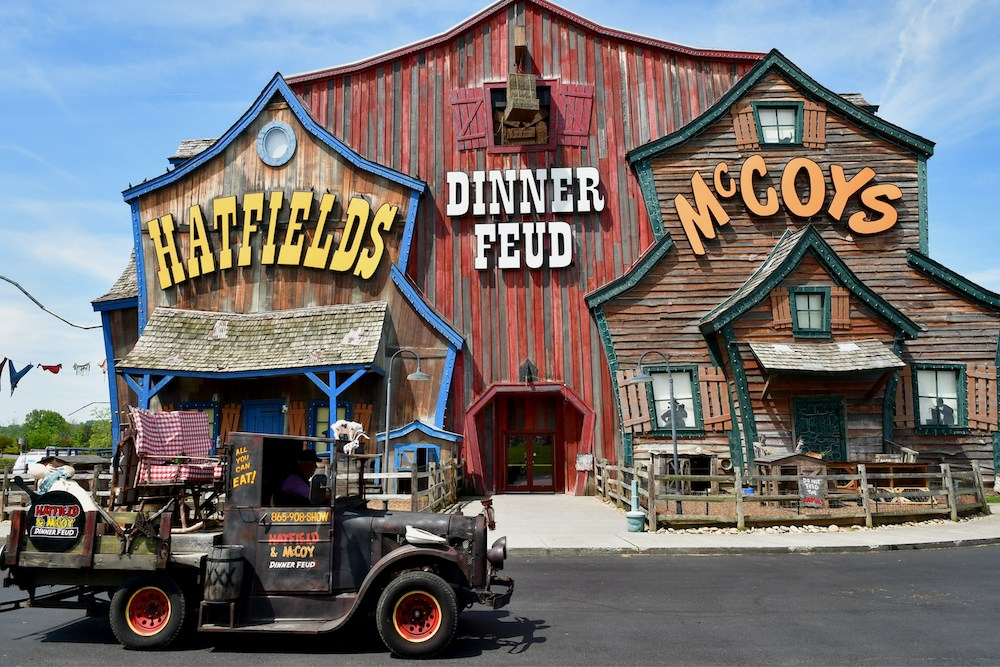 Top 4 Dinner Shows in Pigeon Forge You'll Love